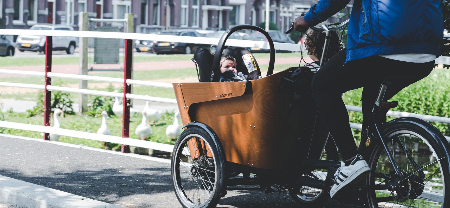 À partir de quand vais-je pouvoir faire du vélo avec mon bébé ?